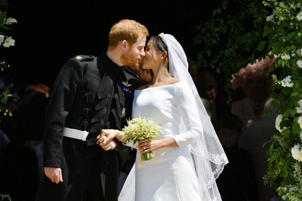 Il principe Harry, duca di Sussex e Meghan Markle - Royal Wedding 2018 di Runway Rivista