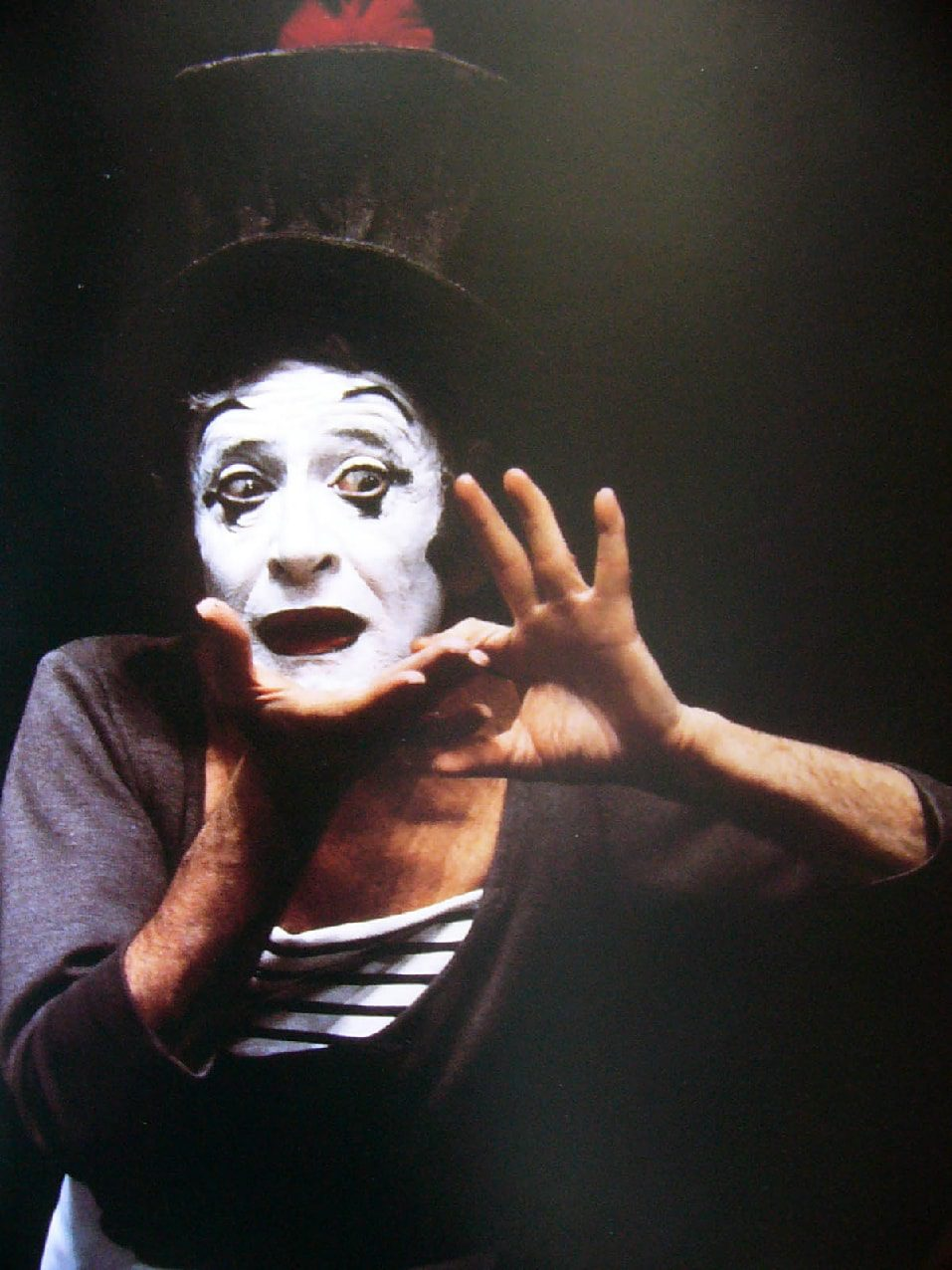 Marcel Marceau - Bip et le Papillon performance by Runway Magazine