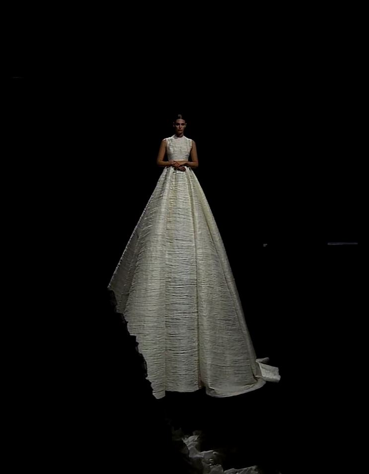 Valentino Haute Couture Fall-Winter 2020-2021 Pierpaolo Piccioli by RUNWAY MAGAZINE