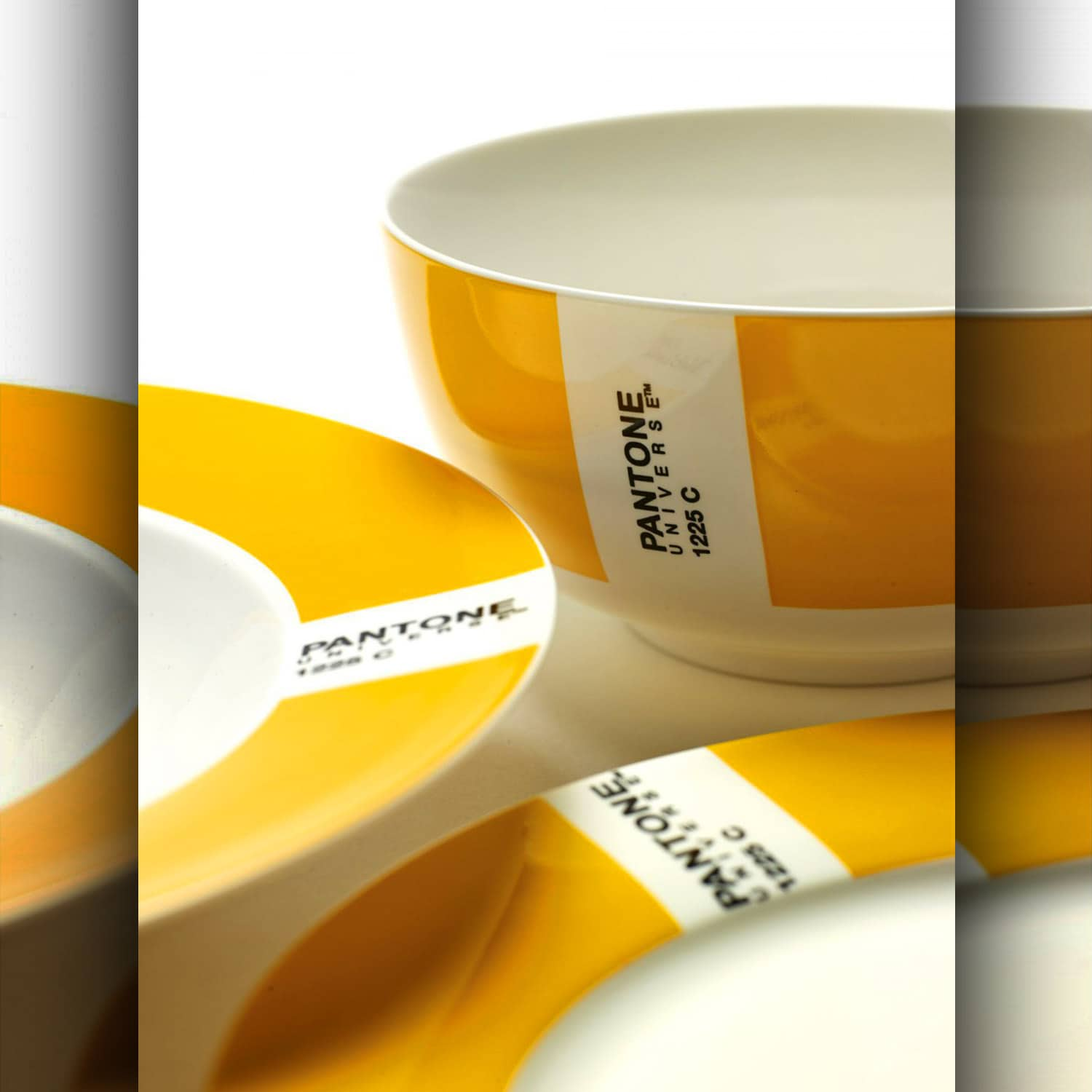 Plate pantone ball - yellow