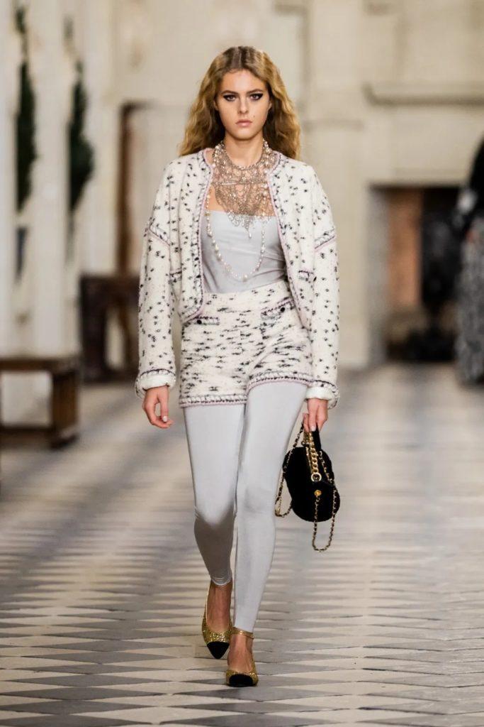 Chanel Pre-Fall 2021 Métiers d'art by RUNWAY MAGAZINE