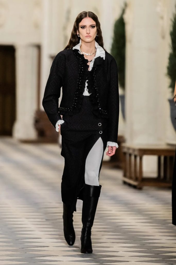 Chanel Pre-Fall 2021 Métiers d'art by RUNWAY MAGAZINE