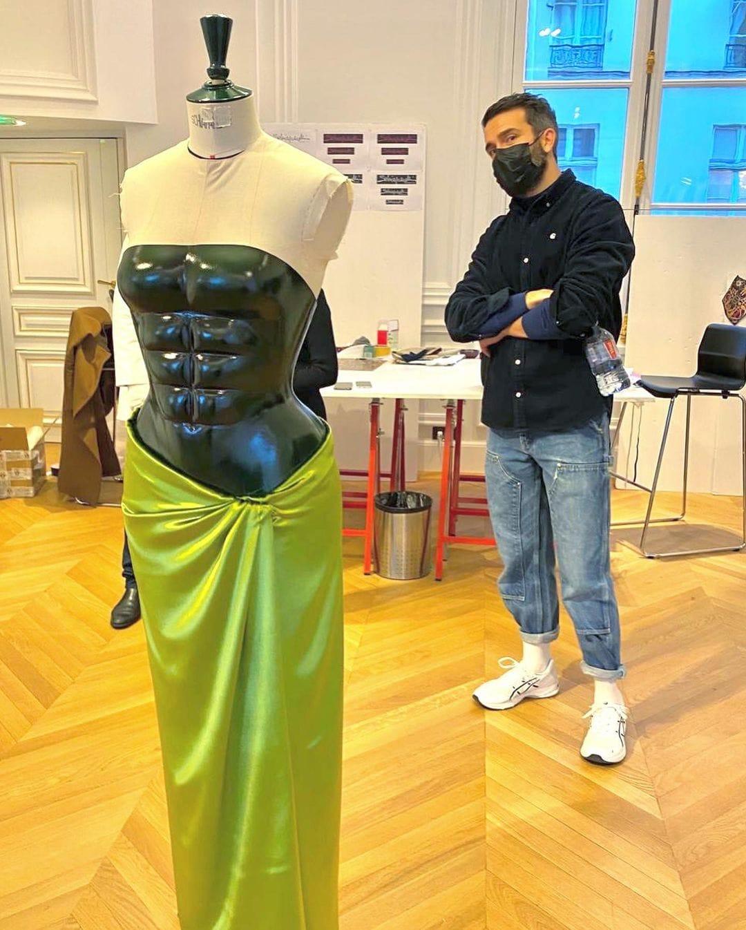 Daniel Roseberry for Kim Kardashian in custom Schiaparelli couture for Spring Summer 2021. RUNWAY MAGAZINE ® Collections. RUNWAY NOW / RUNWAY NEW
