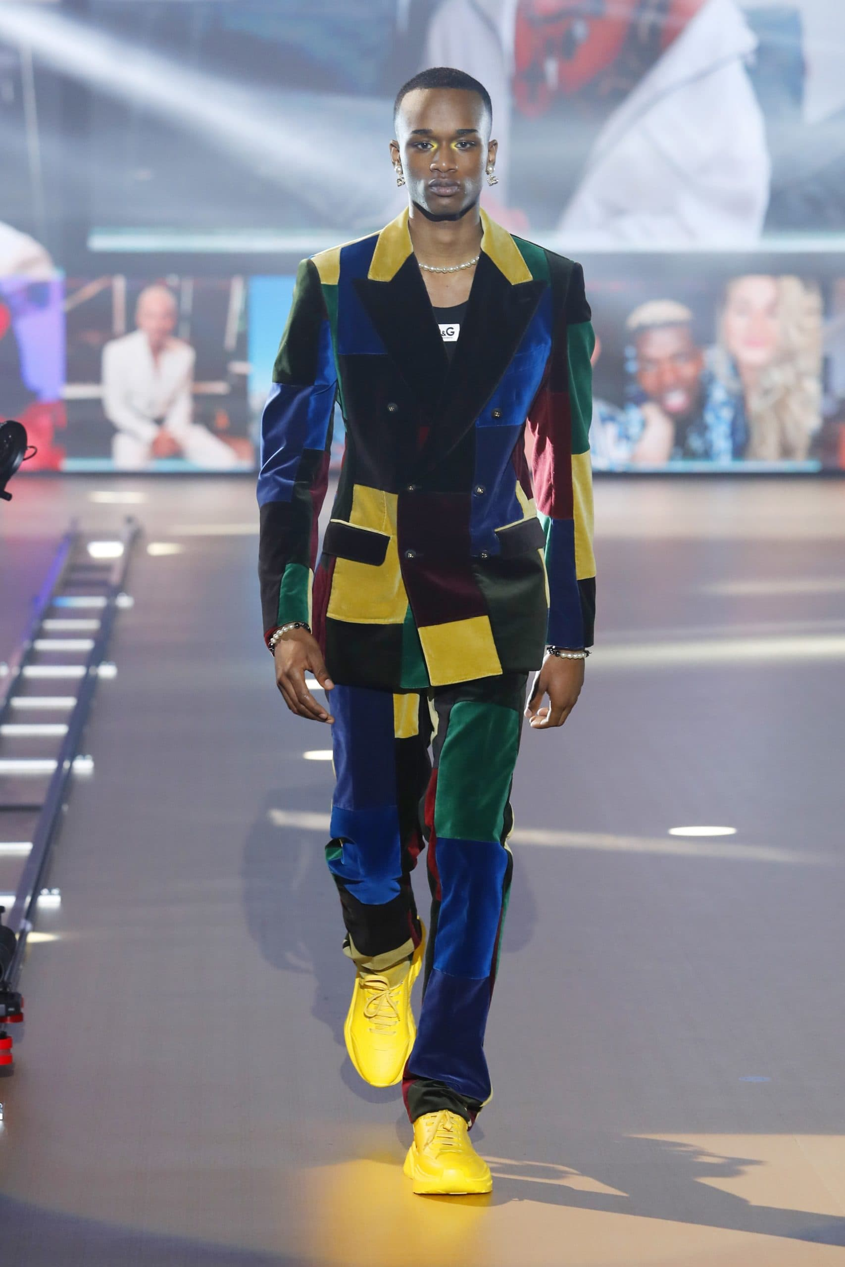 Dolce Gabbana Menswear Fall 2021-2022. Plagiarism checker by Eleonora de Gray - RUNWAY MAGAZINE