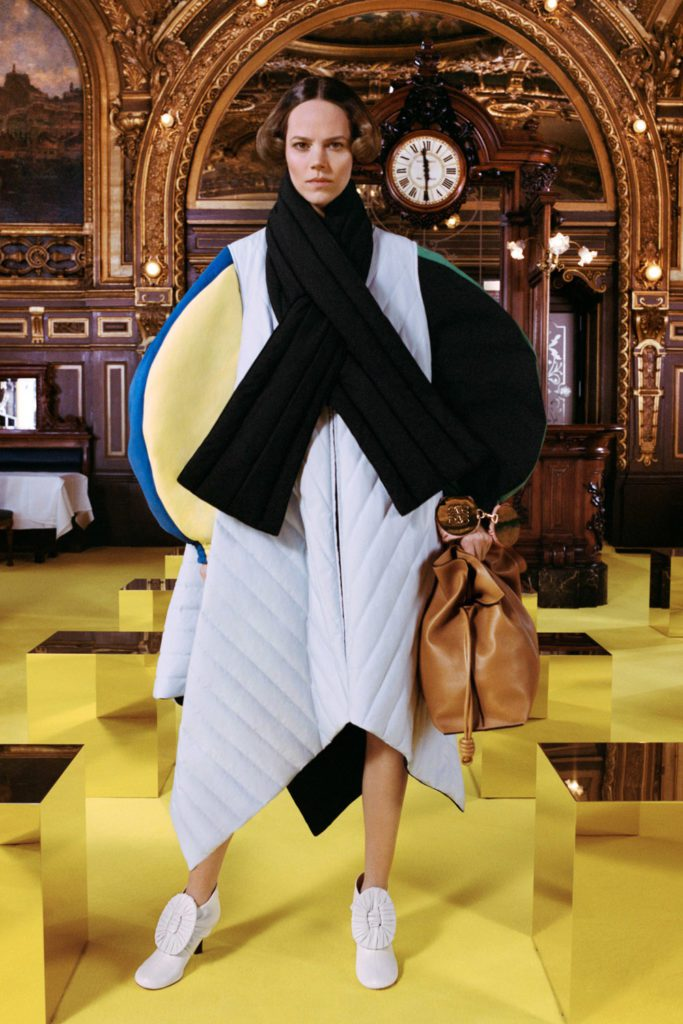 Loewe Fall Winter 2021-2022 Paris by RUNWAY MAGAZINE
