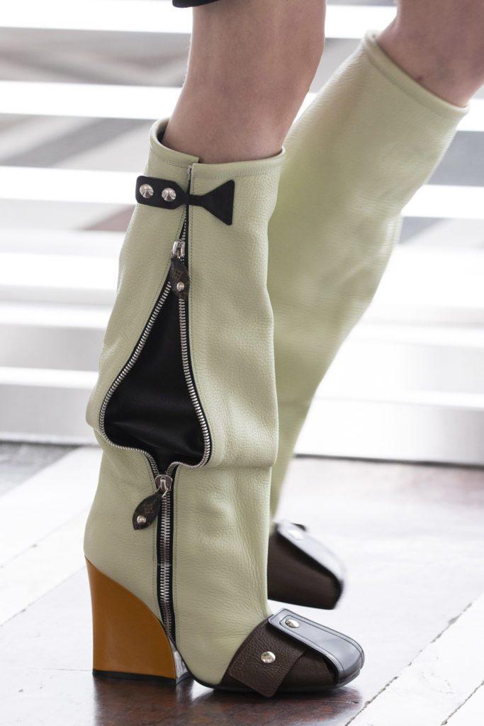 Louis Vuitton Fall Winter 2021-2022 -Details by RUNWAY MAGAZINE