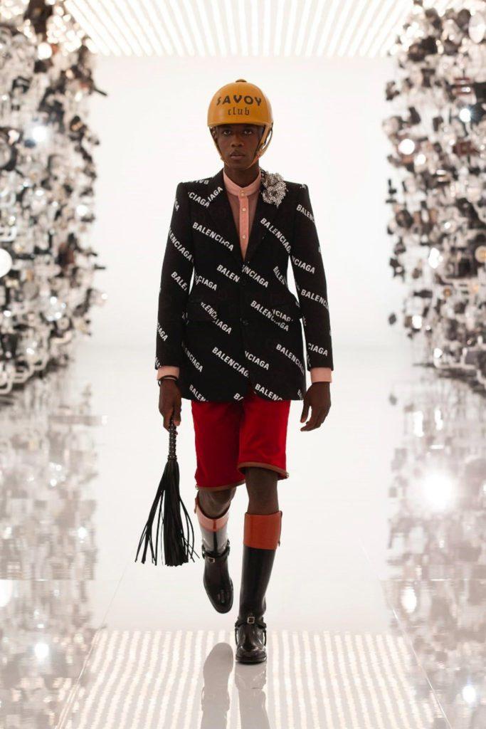 Gucci x Balenciaga 100 Jahre Jubiläum - Herbst 2021-2022 von RUNWAY MAGAZINE