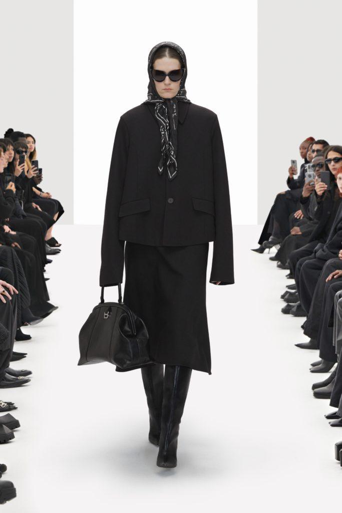 Balenciaga Clones Spring Summer 2022 by RUNWAY MAGAZINE