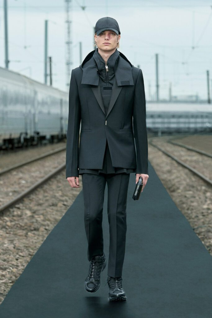 Givenchy Resort 2022 di RUNWAY MAGAZINE