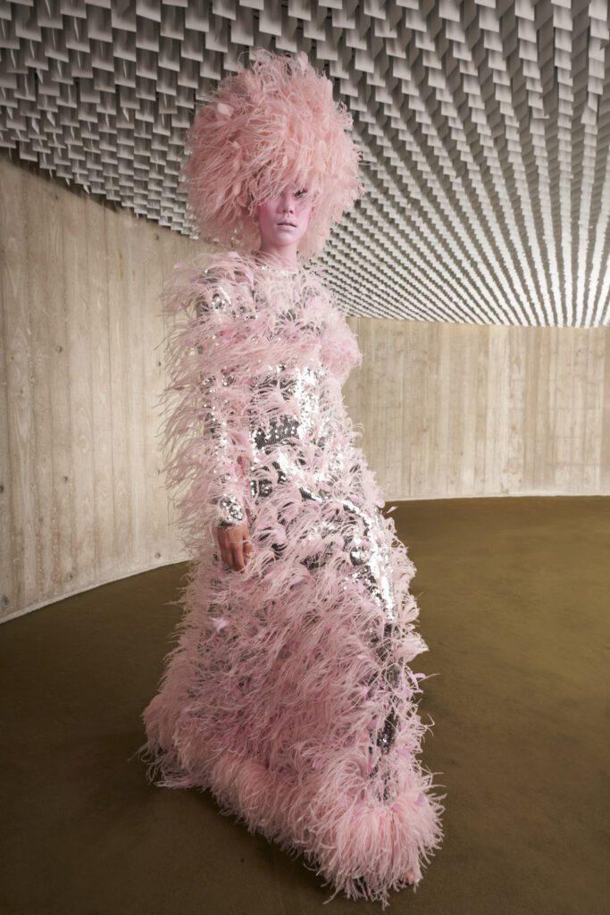 Giambattista Valli Haute Couture Autunno Inverno 2021-2022 by RUNWAY MAGAZINE
