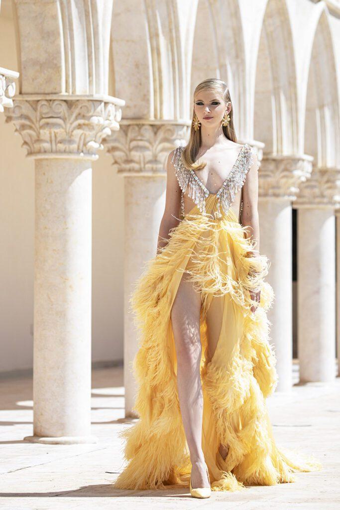 Georges Hobeika Haute Couture Autunno Inverno 2021-2022 di RUNWAY MAGAZINE