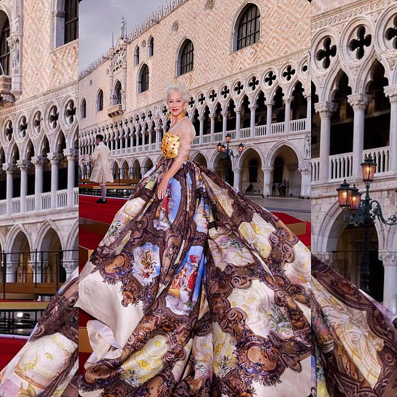 Helen Mirren in Dolce Gabbana alla sfilata Alta Moda di Venezia 2021 RUNWAY MAGAZINE
