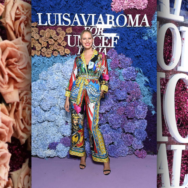 Супермодель Victorias Secret Каролина Куркова в LuisaViaRoma для Unicef, Капри, 31 июля 2021 г. RUNWAY ЖУРНАЛ
