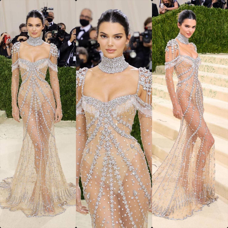 Кендалл Дженнер в Givenchy на Met Gala 2021 от RUNWAY ЖУРНАЛ