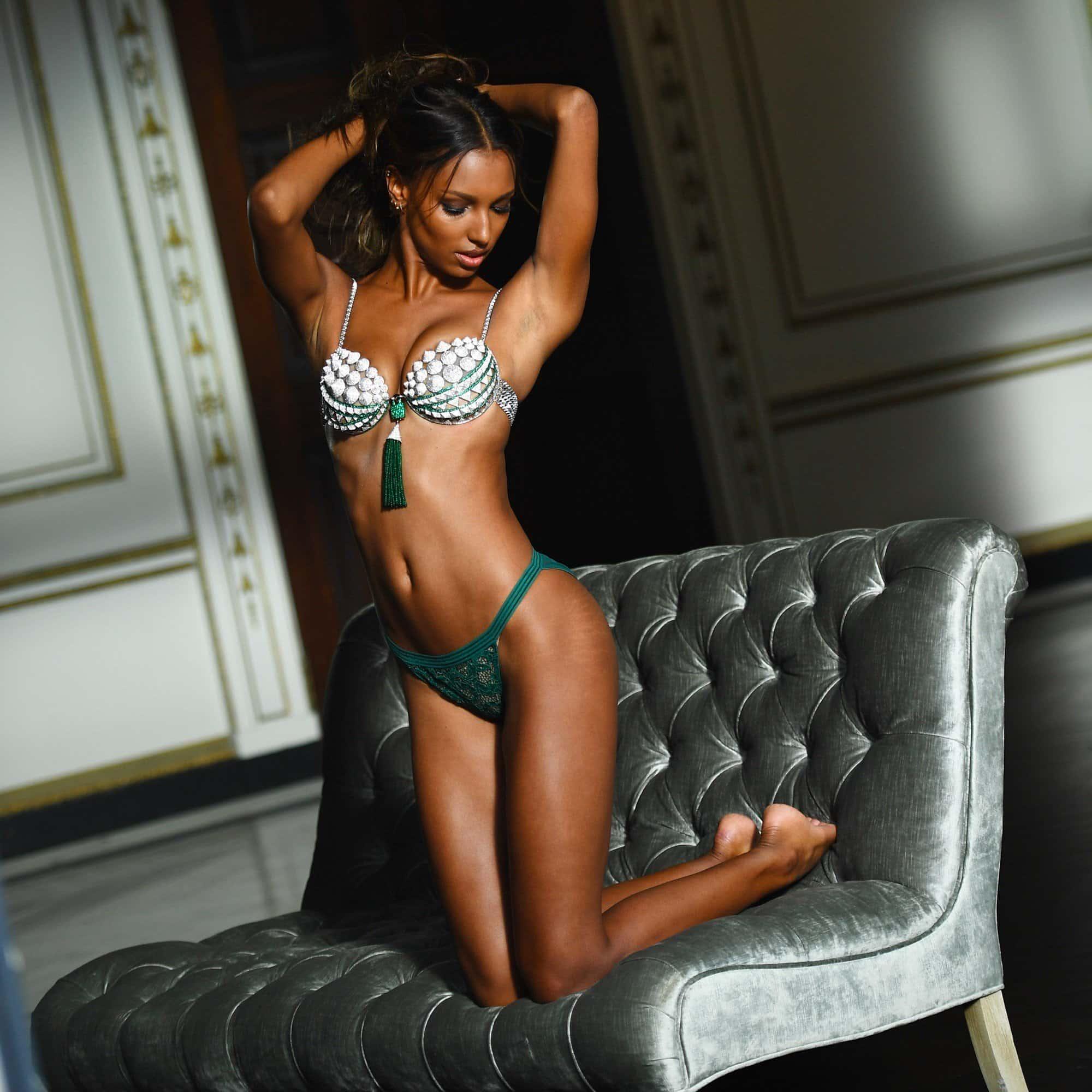 Photos-Victoria-Secret-de-Jasmine-Tooks-Avec-Vergetures TOP MODELS