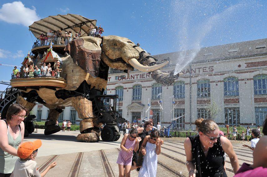 Runway-Magazine-Les-Machines-Nantes-Francois-Delaroziere-Pierre-Orefice-steampunk-mecanics-elephant-fashion