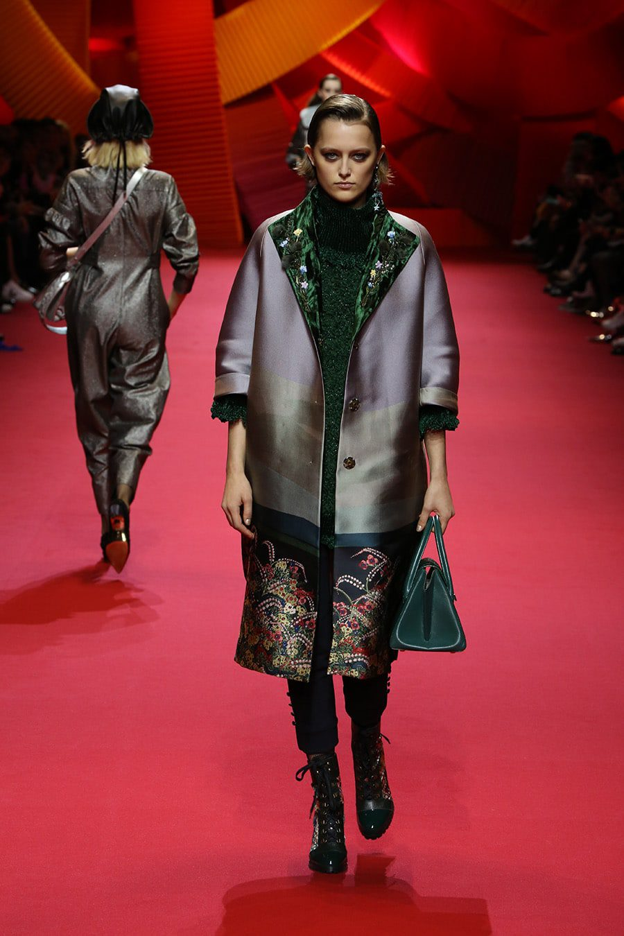 Shiatzy_chen_fall_winter_2017_2018_Paris_Fashion_Week_Runway_Magazine
