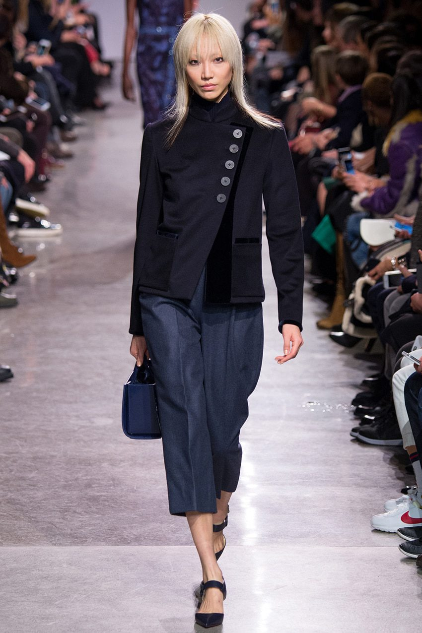 fashion-week-ny-automne-hiver-2016-2017-zac-posen-jupe-culotte-runway-magazine  History of Skirt  by Runway Magazine