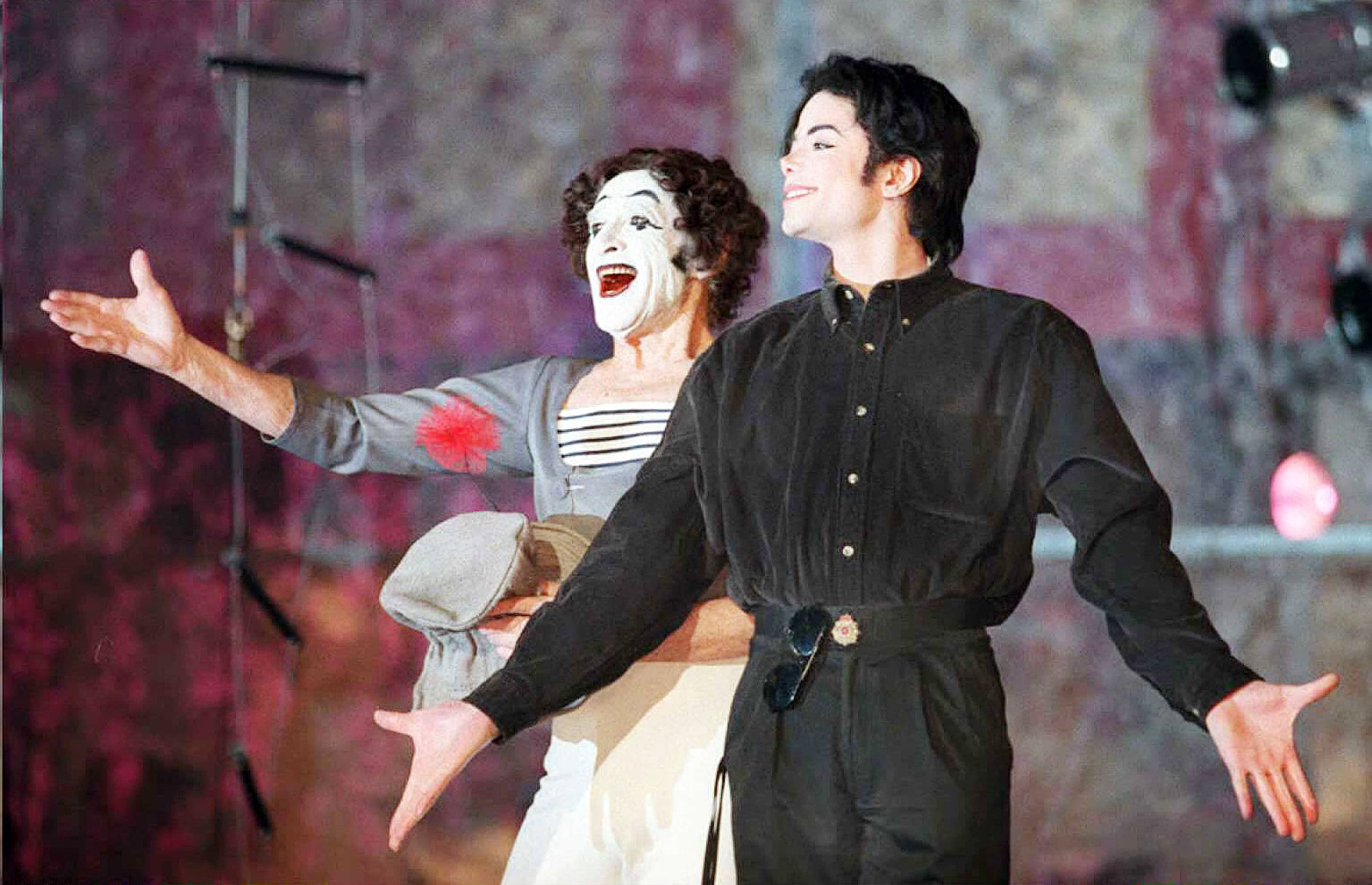 michael-jackson-mime-marceau-photo-bob-strong-afp-getty-images-newyork-france-eleonora-de-gray-editor-in-chief-runway-magazine-official-runwaymagazine