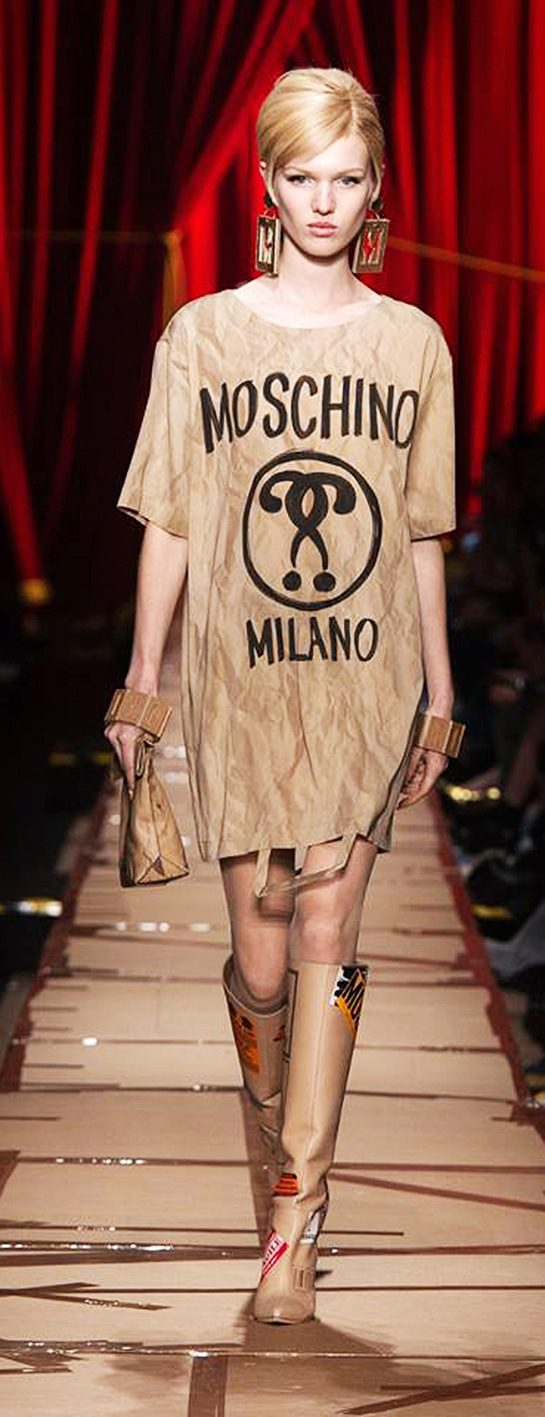 moschino-eleonora-de-gray-editor-in-chief-runway-magazine MOSCHINO Fashion Week Fall Winter 2017-2018