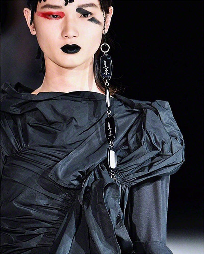 yohjiyamamoto-fashiondesigner-Details-PFW17-communication-eleonoradegray-editorinchief-paris-newyorkL-losangeles-runwaymagazine